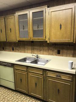 Entire kitchen cabinet set Thumbnail