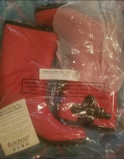 Brand New Women's Red Rain Snow Boots Size 8 Thumbnail