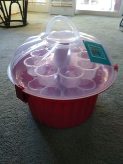 🧁🧁🧁**NEW** (24) CUPCAKE 🧁🧁 HOLDER TRAY PLASTIC CARRIER TOTE SHAPE OF CUPCAKE DESSERT COOKING BAKING BAKE KITCHEN PARTYS EVENTS🧁🧁🧁 Thumbnail