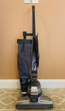 Kirby G4 vacuum cleaner with attachments and shampooer Thumbnail