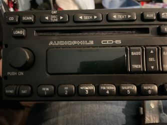 OEM Ford Escape CD player radio. Thumbnail