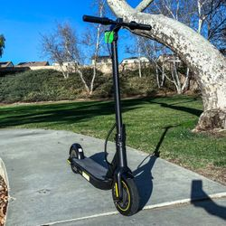 2022 Heavy Duty Pro Electric Scooter/18.6 mph and 39 miles distance/App Control/We Offer Warranty/Brand New In Box (WHOLE SALE PRICING) Thumbnail