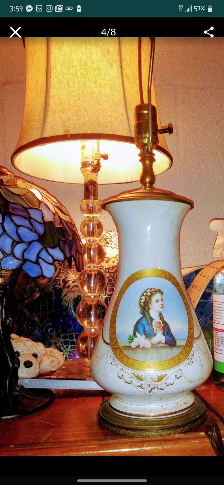 Elegant Antique & Victorian era Lamp