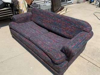 Free Couch  Folds Out To Bed  Thumbnail