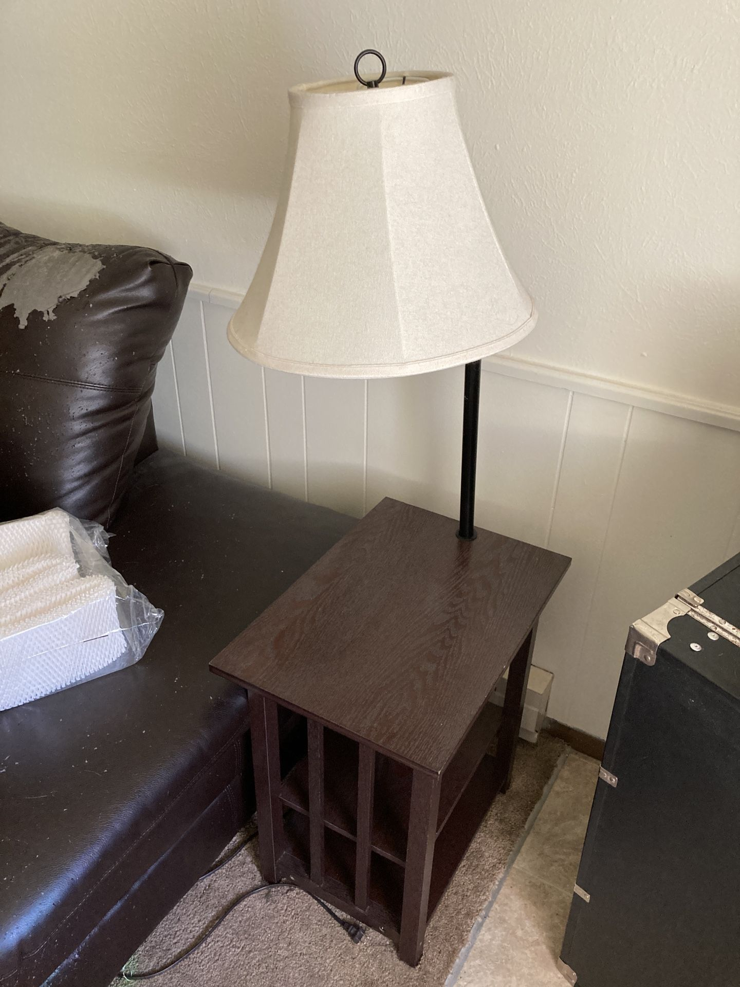 Better Home And Garden Table With Lamp