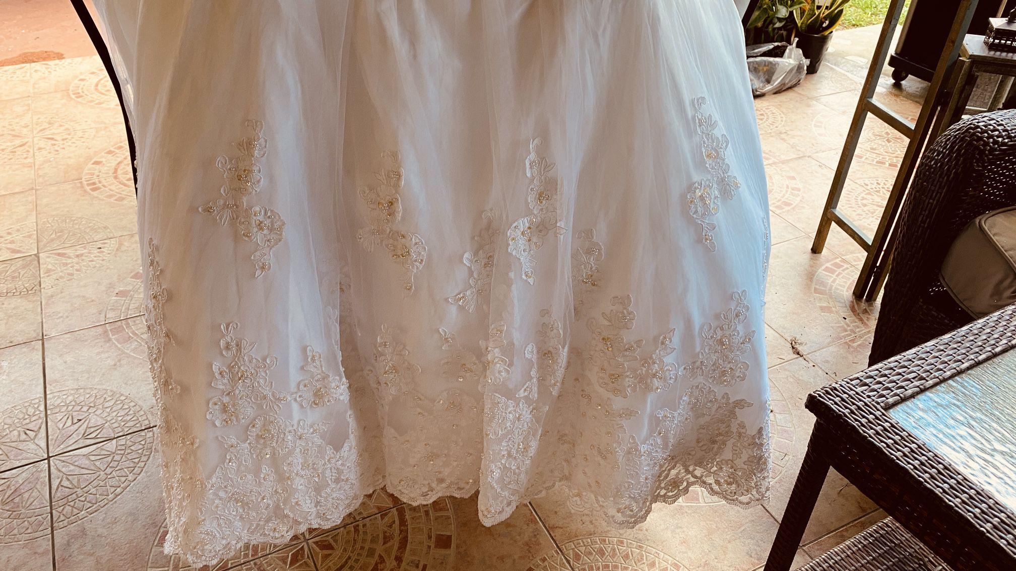 Beautiful WEDDING Or QUINCEÑERA Dress