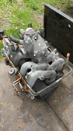 Ford 4.6L Motor, High Mileage, Plus Intake & Throttle Body Thumbnail