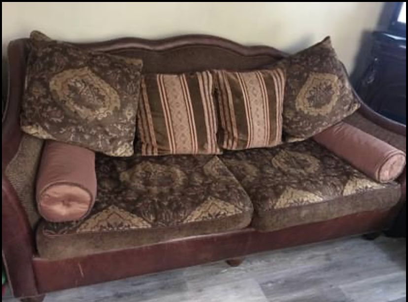 Sofa, Extra Large Chair And Ottoman